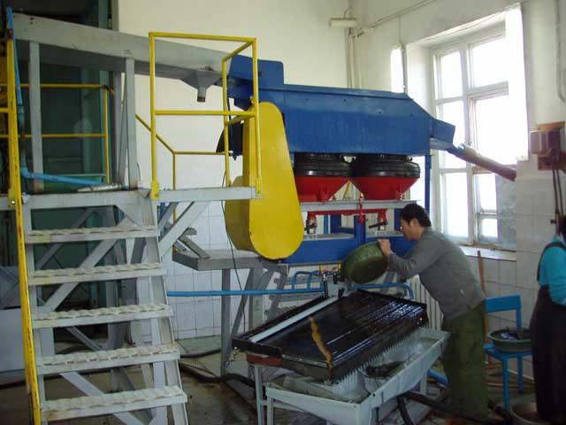 Шлиходоводочная установка ШДУ в помещении предприятия